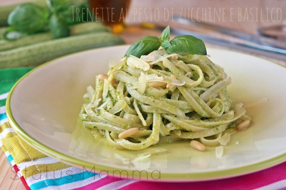 Trenette al pesto di zucchine pinoli primi primo cucinare ricette vegetariano Statusmamma blogGz Giallozafferano foto blog tutorial passo passo facile veloce economico