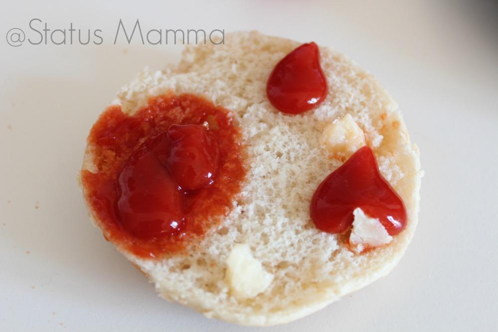 Panino mostruoso di Halloween idee bambino buffet aperitivo ricetta cucinare Hamburger Statusmamma Giallozafferano blogGz