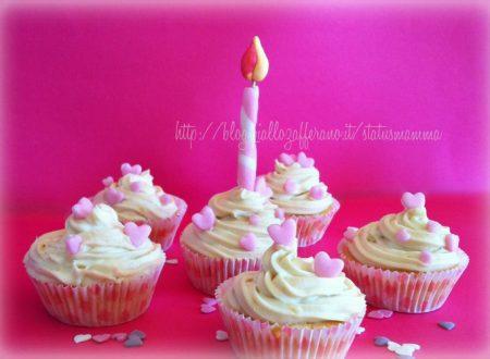 Primo anno di StatusMamma cupcake di compleanno