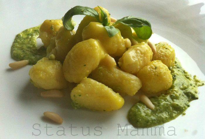 Chicchi di mimosa gnocchi allo zafferano