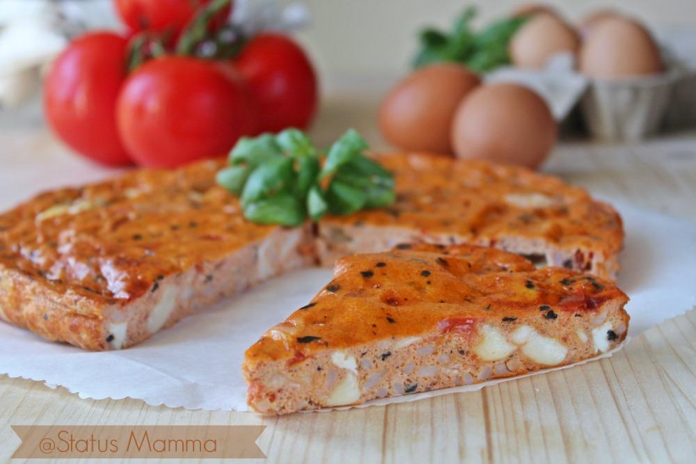 Frittata mediterranea ricetta status mamma mozzarella uova basilico pomodorini olive foto cucinare secondo tutorial blog