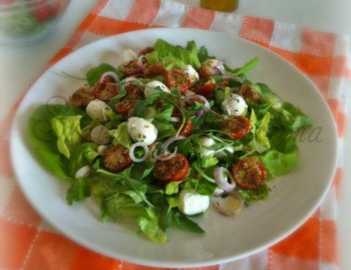 Insalata tiepida di mozzarelline e pomodori gratinati