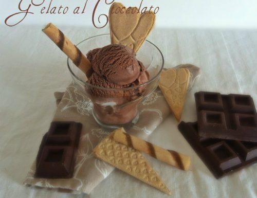 Gelato senza gelatiera al cioccolato fondente facile