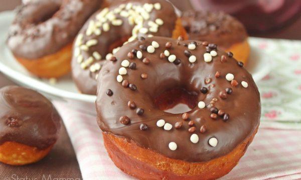 Donuts al cioccolato ciambelline