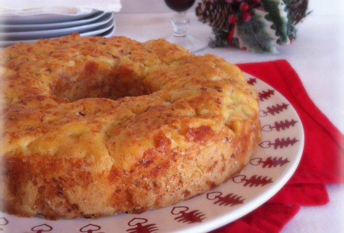 Torta salata di Natale lievitata