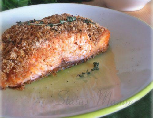Filetto di salmone in crosta di pane al timo