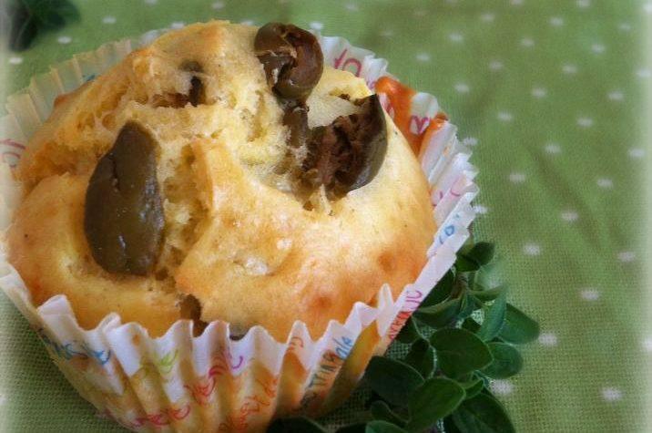 Muffin alle olive ricetta salata