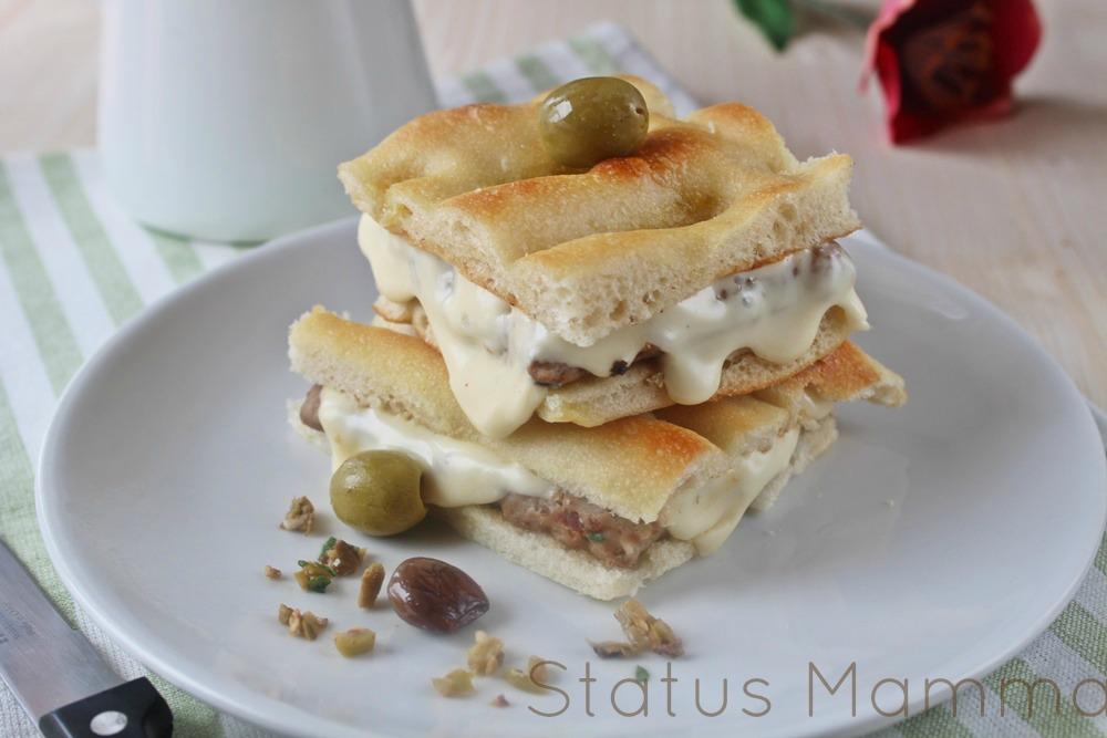 Hamburger di tacchino panino veloce Statusmamma Giallozafferano foto passo passo tutorial blogGz focaccia ligure olive taggiasche pomodorini mozzarella formaggio