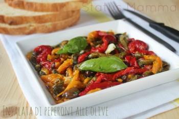 Insalata di peperoni alle olive ricetta cucinare secondo verdure vegetariano Statusmamma blogGz Giallozafferano foto tutorial veloce economico semplice secondo contorno verdure