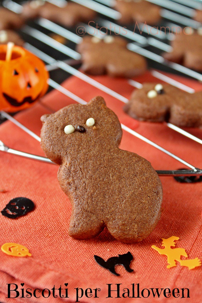 Biscotti ricetta per halloween dolce bambini cucinare semplice economico veloce Statusmamma blogGz Giallozafferano decorazione giocare divertendosi divertimento gioco bambino
