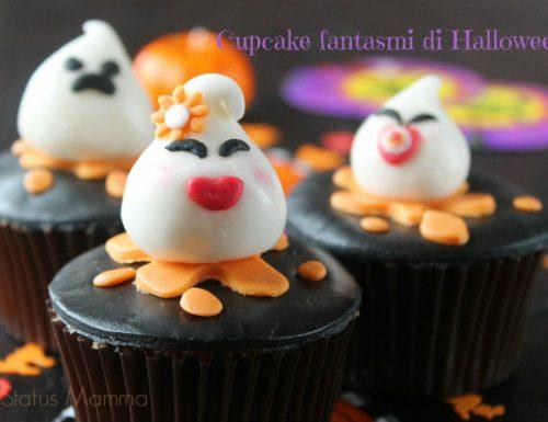 Cupcake fantasmi di Halloween di pasta da zucchero