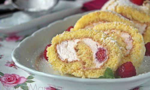 Rotolo di pasta biscotto con crema ai lamponi