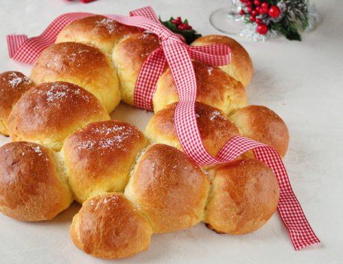 Ghirlanda Natalizia salata di pan brioche