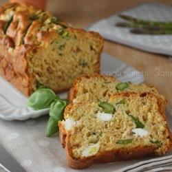 RICETTE CON LE VERDURE DI MAGGIO - Ricetta plumcake di asparagi verdura ricetta per la cena o pranzo.. Semplice veloce. Perfetto per un pic nic, per il pranzo in ufficio buffet e si può' preparare anche con un certo anticipo.