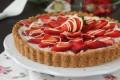 Crostata finta di fragole ricetta senza forno