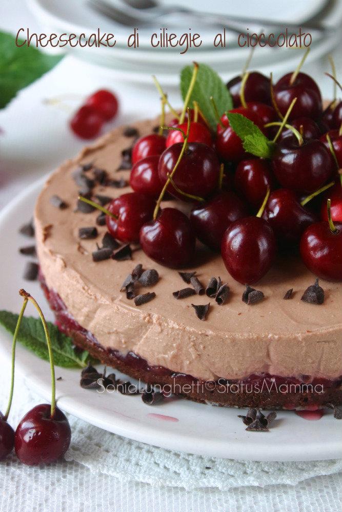 cheesecake di ciliegie al cioccolato fondente foodporn ricetta dessert dolce estate 2015 torta fredda cacao facile goloso dolce colazione merenda con biscotti frollini