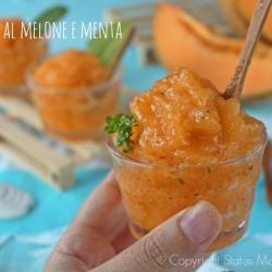 Granita al melone alla menta ricetta dessert dolce facile per merenda dessert economico Statusmamma Giallozafferano foto blog cucinare food