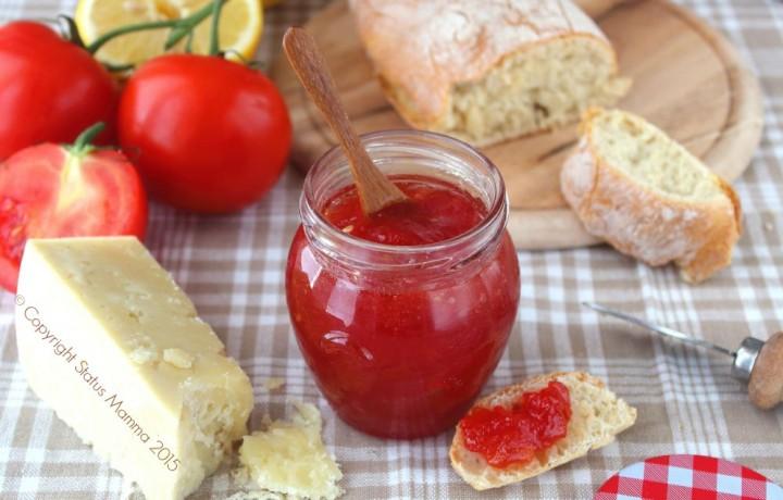 Confettura di pomodori rossi alla vaniglia
