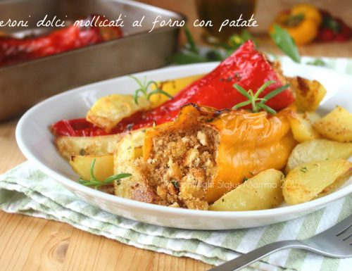 Peperoni dolci mollicati al forno con patate
