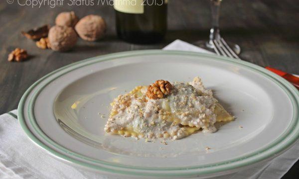 Ravioli di magro in salsa di noci alla Ligure