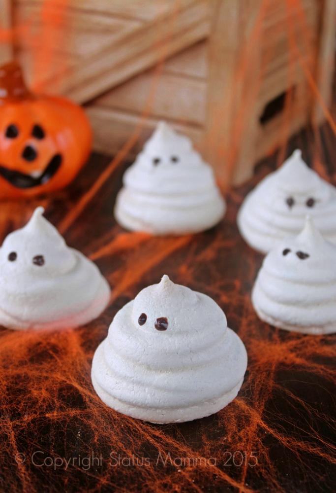 Meringhe a forma di fantasmi per Hallowen ricetta facile ricetta per bambini dolce cucinare foto blog Giallozafferano Statusmamma © Copyright Status mamma 2015
