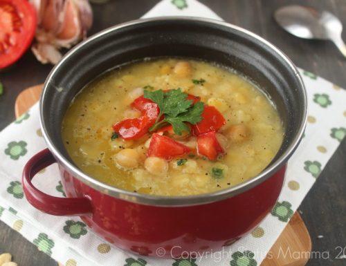 Zuppa di legumi con ceci e cicerchia