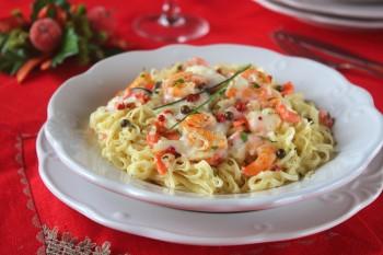 https://blog.giallozafferano.it/statusmamma/tagliolini-ai-gamberi-e-salmone/