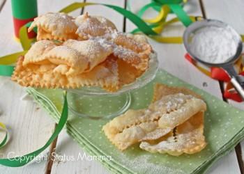 Chiacchiere di carnevale ricetta facile cucinare senza lievito friabili asciutte buone anche al forno Statusmamma Gialloblogs