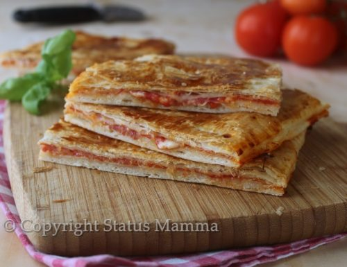 Pizza con pasta sfoglia ripiena