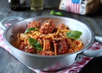 Spaghetti con polpette al sugo - Spaghetti and Meatballs ricetta primo piatto italiano americano con carne facile gustoso Statusmamma gialloblog