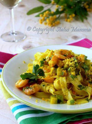 Tagliatelle con zucchine e gamberi allo zafferano mimosa primo facile veloce ricetta cucinare tutorial Statusmamma gialloblogs