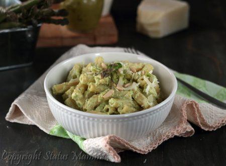 Pasta con crema di ricotta e asparagi