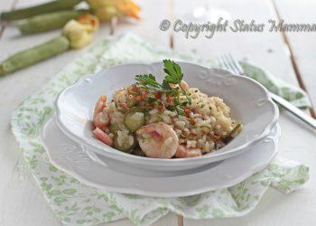 risotto primo ricetta di mare con gamberi gamberetti riso zucchine novelle fiore facile gustoso primavera estate