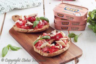 friselle con filetti di sardine in collaborazione con rio mare ricetta antipasto insalata facile fresco senza cottura pomodori Statusmamma Gialloblogs foto dieta