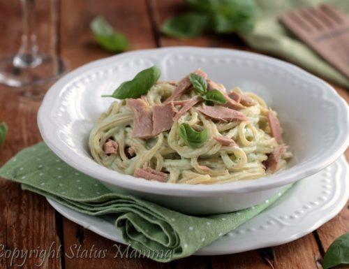 Spaghetti con pesto tonno e ricotta
