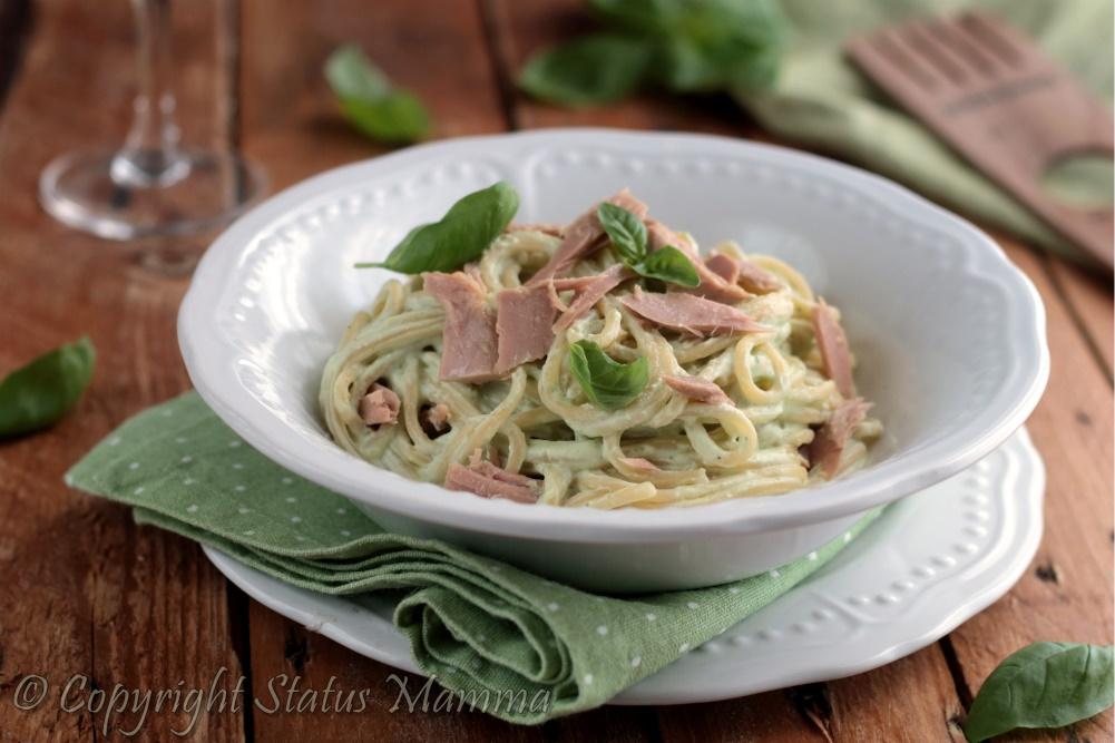 Spaghetti tonno e ricotta primo cremoso facile veloce ricetta cucinare foto tutorial Statusmamma giallo blog piatto unico con pesce