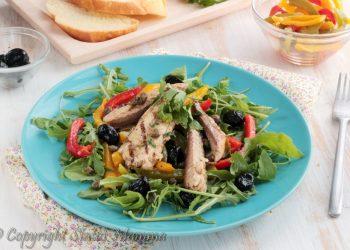 Insalata di filetti di sgombri con peperoni e rucola antipasto secondo pesce facile veloce estate Gialloblog Statusmamma faicle veloce