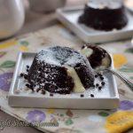Tortini golosi bicolore ai due cioccolati dal cuore caldo