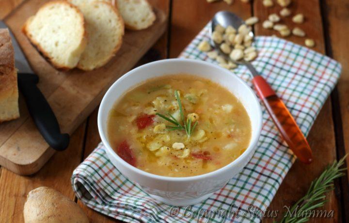 Zuppa di cicerchie e patate comfortfood