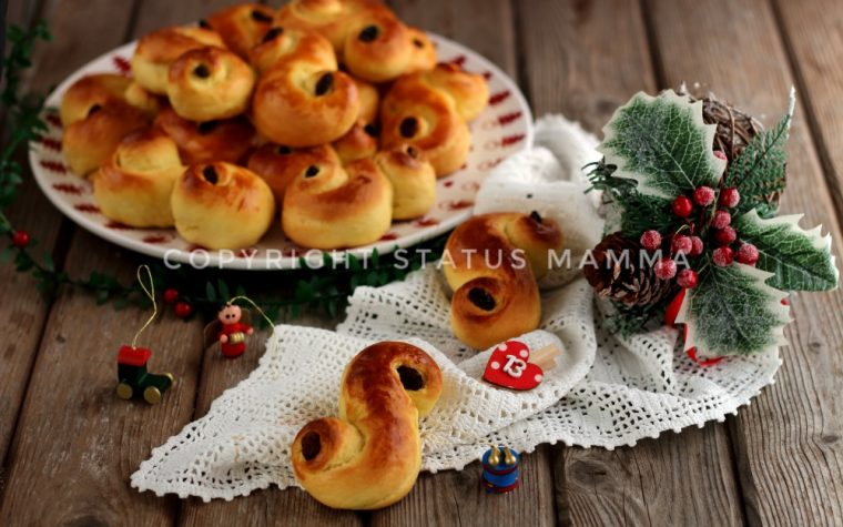Panini allo zafferano di Santa Lucia rose di pane svedesi