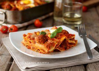 Lasagne con polpettine ricetta alla napoletana