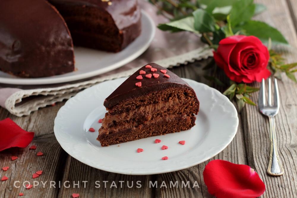 Torta gusto bacio ricetta dolce di cioccolato panna nocciole nutella foto tutorial video giallozafferno food blog