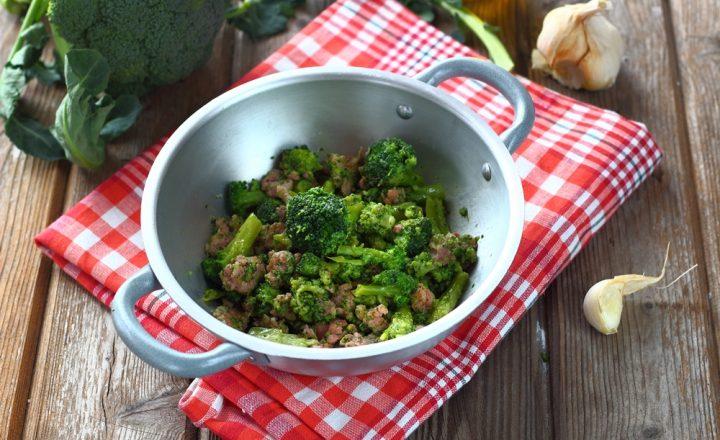 Ricetta broccoli e salsiccia sbriciolata in padella