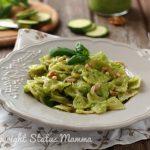 Farfalle al pesto di zucchine e noci facile e gustoso