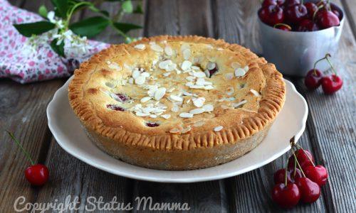Crostata morbida alle ciliegie con crema frangipane alle mandorle