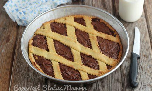Crostata classica alla nutella friabile perfetta per la colazione e la merenda