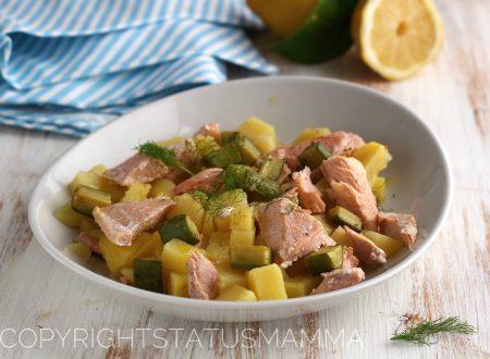 Insalata di salmone e patate profumata all'aneto e limone