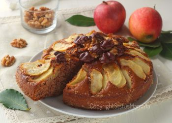 RICETTE CON LA FRUTTA  cosa cucinare a marzo Torta di mele al cioccolato e noci 2