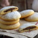 Come preparare i biscotti alla panna farciti alla nutella