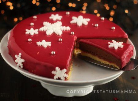 Torta mousse al cioccolato con glassa a specchio rossa facile